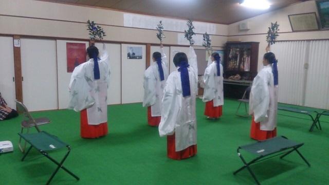 巫女舞の練習(栄田町)151024_2